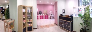L'interno del negozio di cosmesi naturale Bio Domus